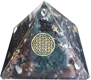 70mm Orgone Shungite and Flower pyramid